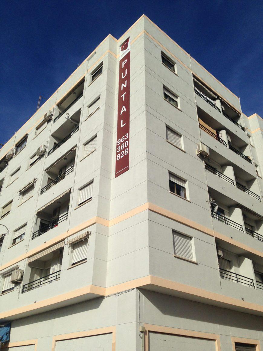 Restauración de fachadas, patios de luces e intervención en cubierta