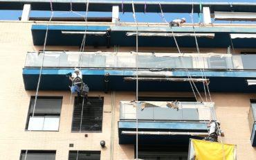 Restauración balcones fachada edificio Puntal Tecnico Valencia