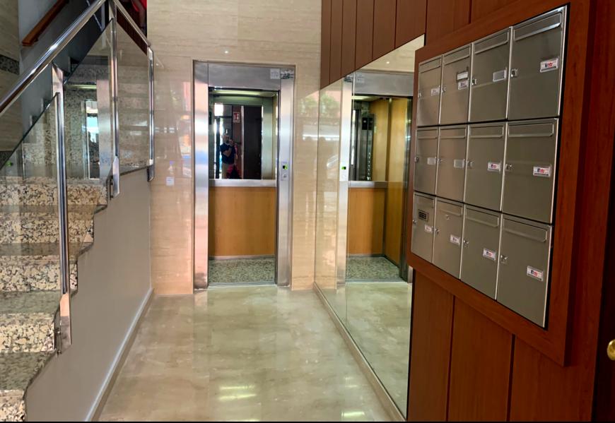 Bajada ascensor a cota cero y eliminación de barreras Comunidad de propietarios c/ Jose Grollo, 60, Valencia