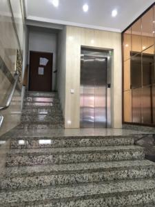 reforma bajada ascensor cota cero y leiminacion de barreras jose Groyo 60 antes Valencia 3