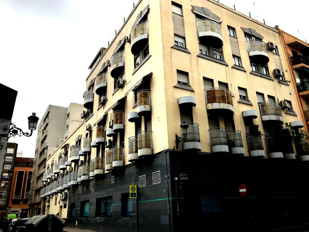 rehabilitación edificio fachada calle felipe salvador 11 valencia antes