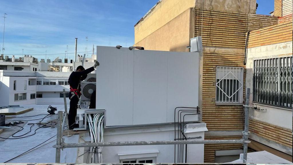 aire acondicionado aislacion acustica y contra vibraciones rehabilitacion de edificios puntal tecnico valencia