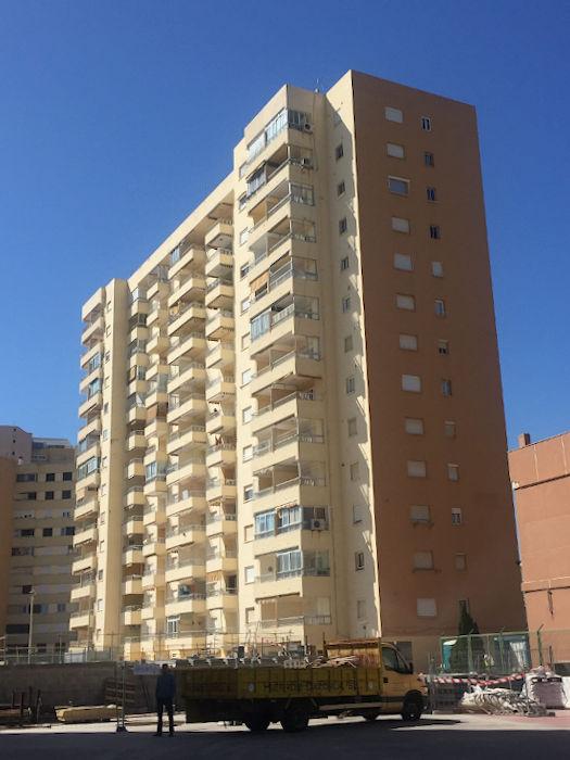 proyecto mantenimiento redes seguridad en balcones de fachada principal, en Complejo Medicalia el puig valencia 1