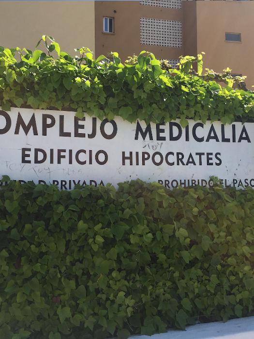 proyecto mantenimiento redes seguridad en balcones de fachada principal, en Complejo Medicalia el puig valencia 2