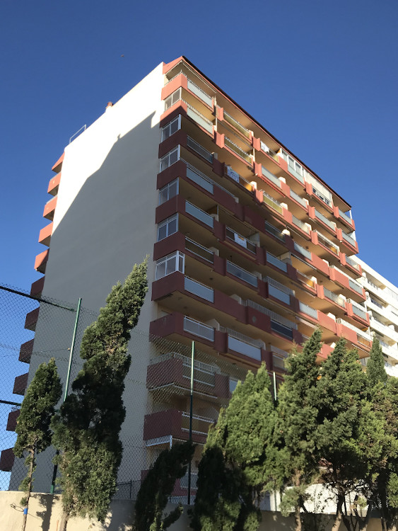 rehabilitacion fachada edificio copa cabana mareyn blau valencia antes