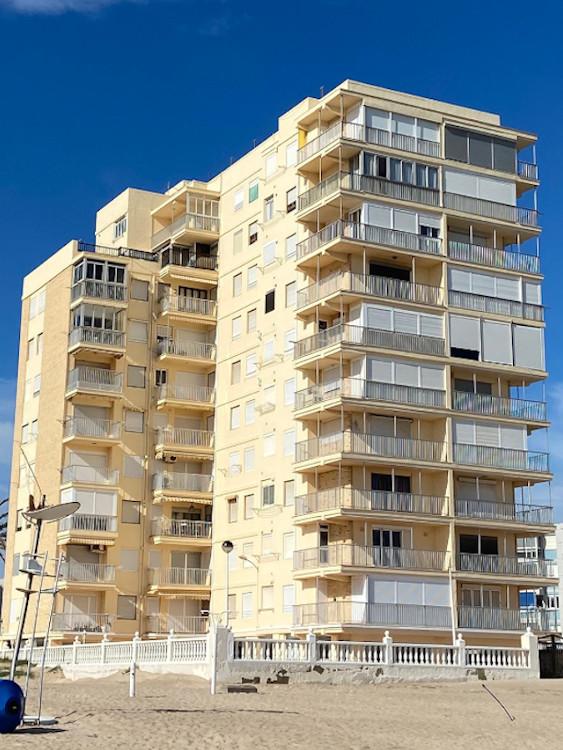 rehabilitacion fachada y cubierta edificio diana el perellonet valencia después