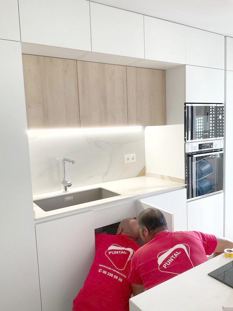 reforma integral vivienda cocina abierta al salon valencia